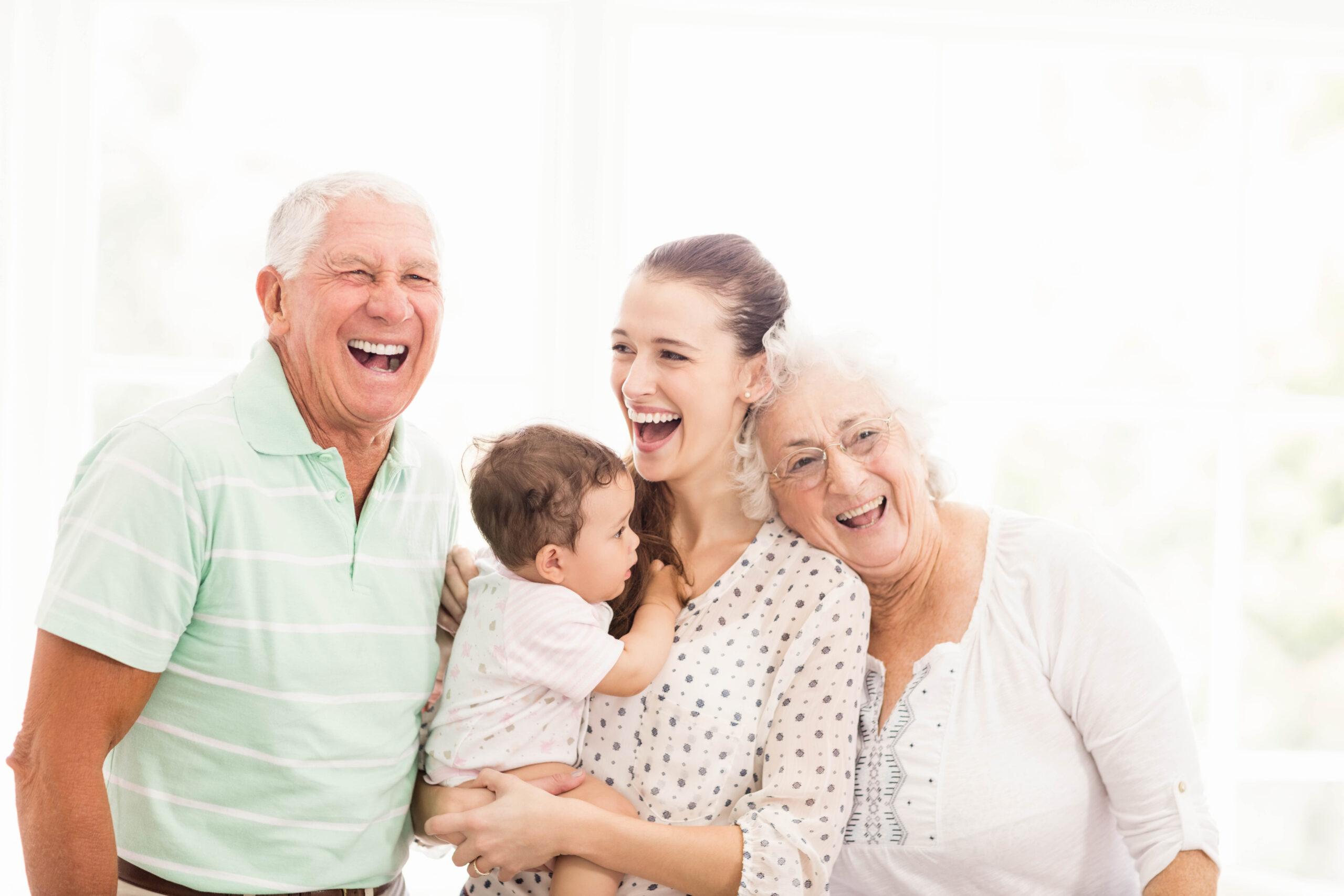 Cómo la risa ayuda a las personas mayores a mantener una buena salud