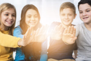 Los niños deben aprender a entender sus emociones